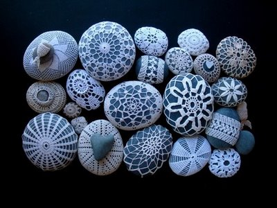crocheted pebbles by knitalatte
